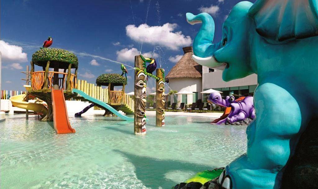 cancun modern art cafe: