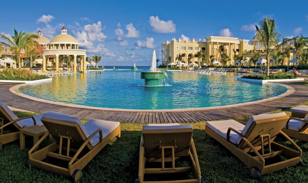 Iberostar Grand Hotel Paraiso Modern Vacations
