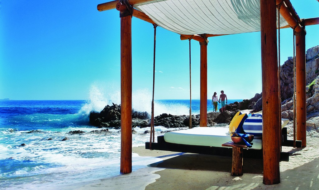 Outdoor Floating Bed one&only palmilla - modern vacations