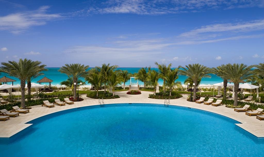 Seven stars resort modern vacations for Seven star hotel