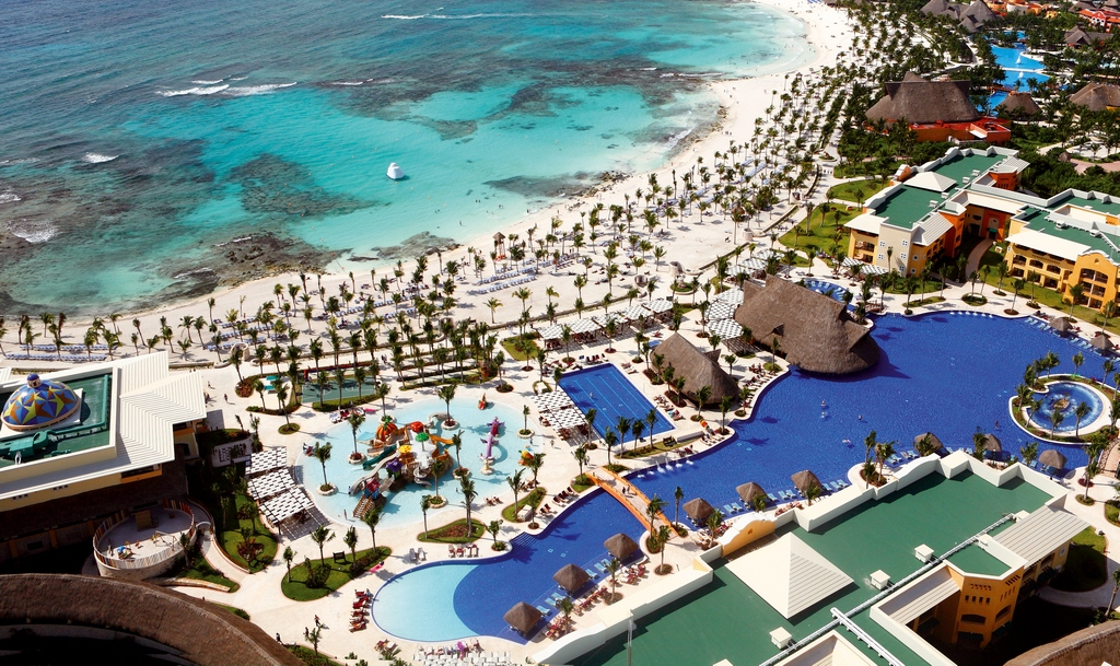Barcelo Maya Palace Deluxe Modern Vacations