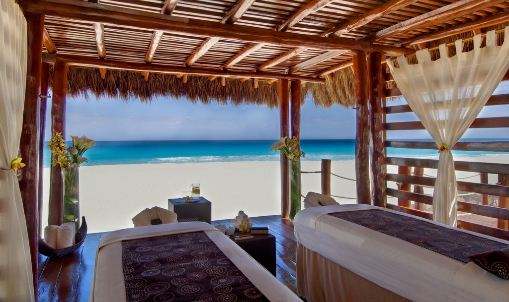 Iberostar Cancun Modern Vacations
