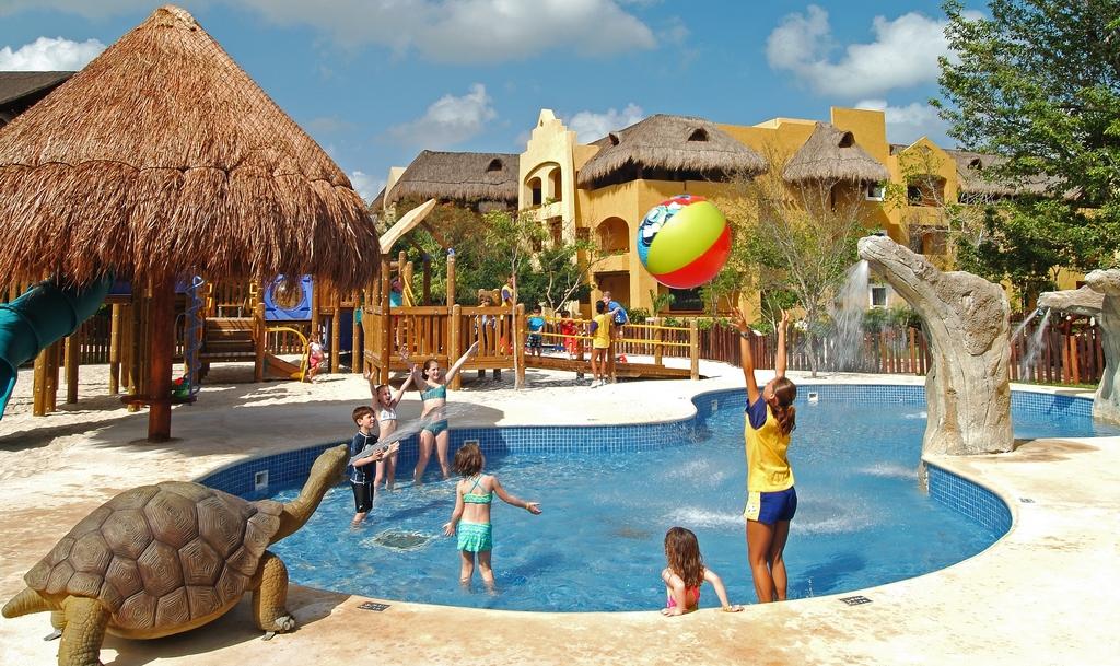 Iberostar Paraiso Lindo Modern Vacations