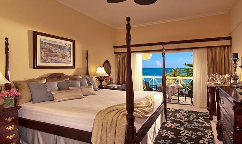 Sandals Negril Honeymoon Grande Luxe Beachfront Concierge Room - bahamas beach wedding
